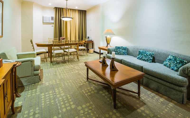 L' Fisher Hotel Bacolod City - Royal Suite